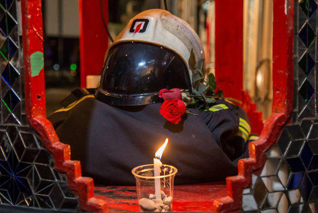 فیلم و عکس تشییع پیکر 16 شهید آتش نشان حادثه پلاسکو