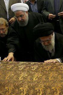 تفاوت نماز های میت رهبری بر پیکر دو آیت الله هاشمی رفسجنانی و شاهرودی