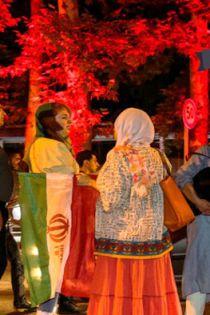 شادی دختران ایرانی در خیابان بعد از توافق هسته ای 23 تیر 94